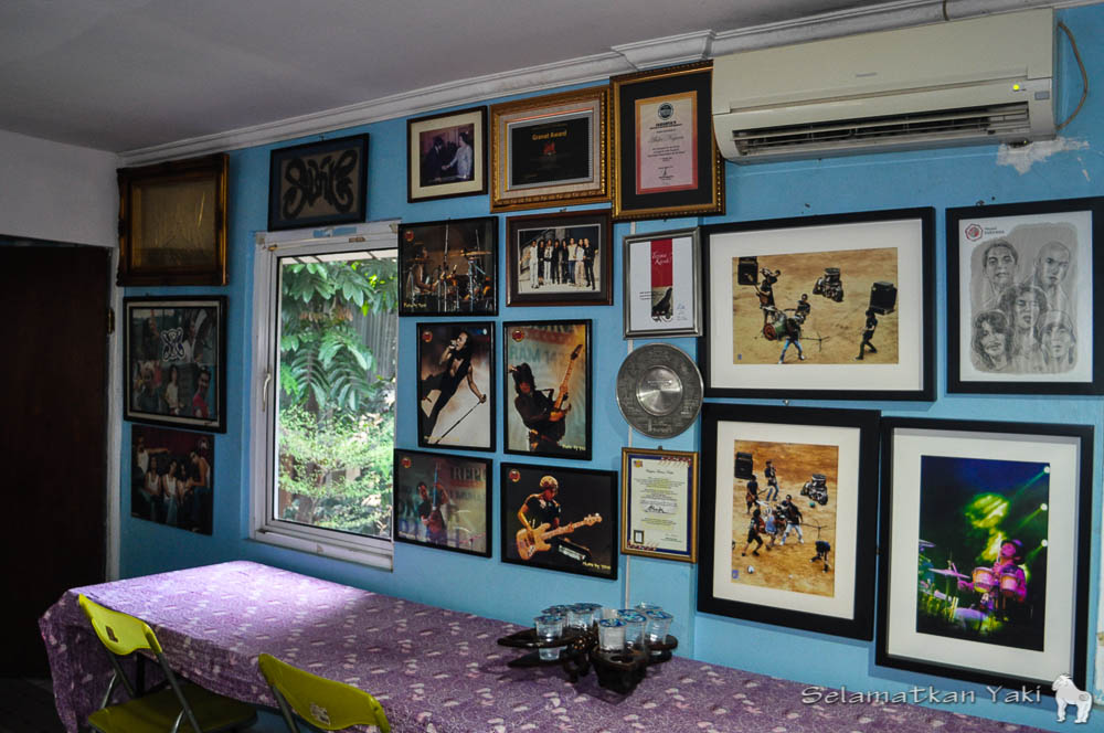 42 Gambar Dinding Kamar Slank Terbaik