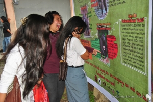 Our information banner about the yaki spreads our message in a simple yet effective way!   Spanduk informasi tentang yaki menyampaikan pesan kami secara sederhana namun efektif!