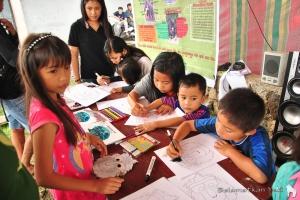 Our colouring table draws a lot of interest! | Meja mewarnai kami sangat menarik perhatian!