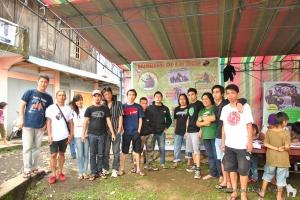 Our fantastic team of volunteers for today; the members of Nature Lovers Club of Langowan! | Tim sukarelawan kami yang hebat; para anggota Kelompok Pencinta Alam Langowan!