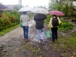 ~The rain and cold almost every morning in Langowan was not become a problem for Survey Team. ~Hujan dan dingin hampir setiap pagi di Langowan, namun bukan menjadi masalah bagi Tim Survey.