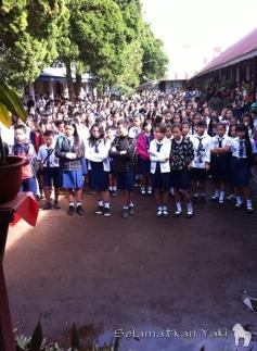 Over 800 students at SMP N 1 Langowan! | Lebih dari 800 siswa di SMP N 1 Langowan!