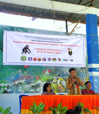 Marjudie Menajang from North Sulawesi Education Department welcoming participants and opening the event