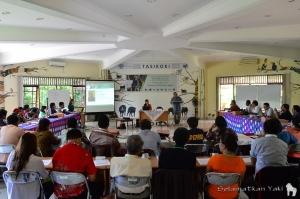 Presentasi dari Dr. Noldy Tuerah - Direktur Synergy Pacific Institute